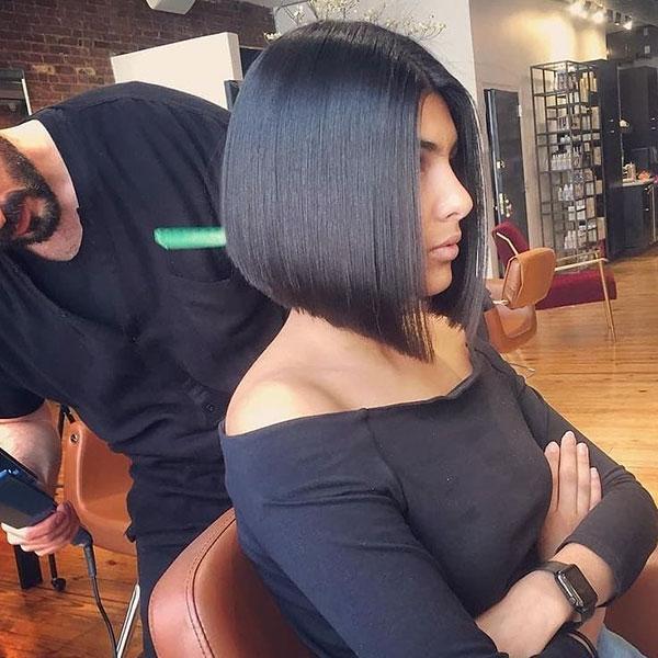 popular short haircuts 2021